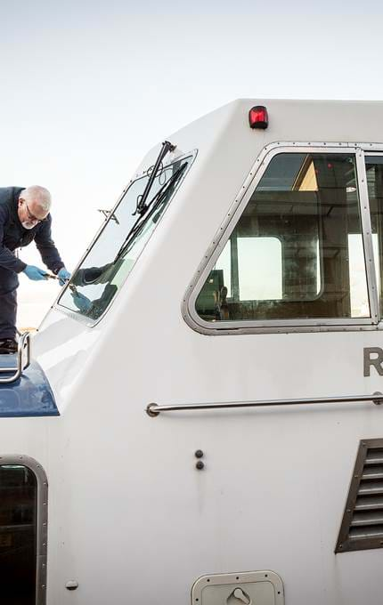 window maintenance royal yacht britannia