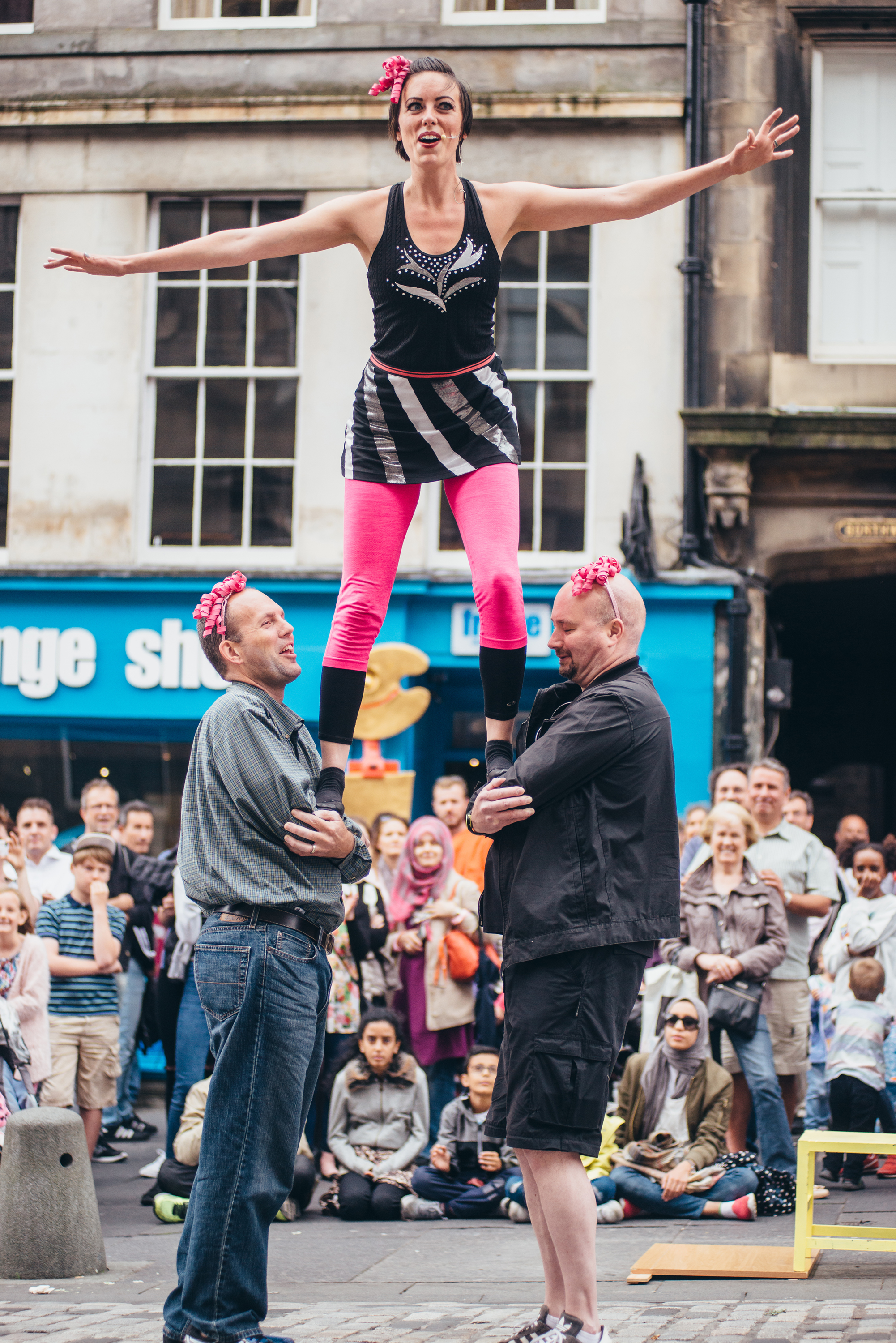 Performers on the Royal Mile ©Edinburgh Festival Fringe Society